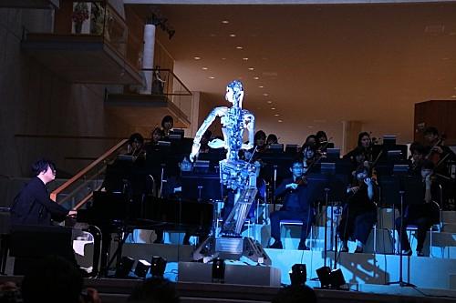 """人工生命×アンドロイド""""オルタ3""""が世界初公開、2020年夏には渋谷慶一郎作曲、大野和士企画による新作オペラも"""