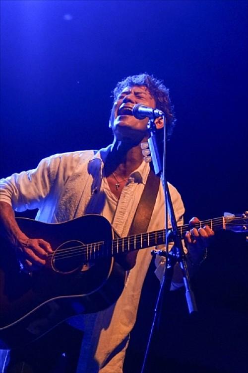 新里英之(HY)、7月にソロ公演をビルボードライブ大阪で開催