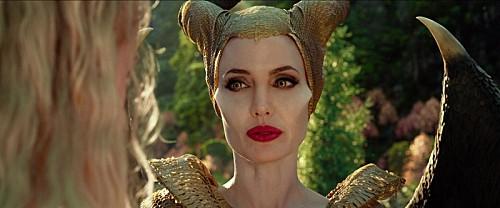 最恐のヴィラン「マレフィセント」を再び演じるアンジェリーナ・ジョリー、両者を繋げる共通点とは