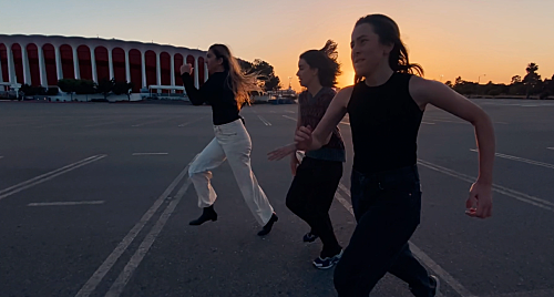 ハイム、姉妹でガチ・マラソン対決!? 「ドント・ワナ」のMVを公開