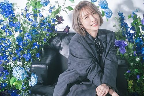 藍井エイル、アニメ『コードギアス』新OP曲を担当 新アー写&10周年特設サイトも公開